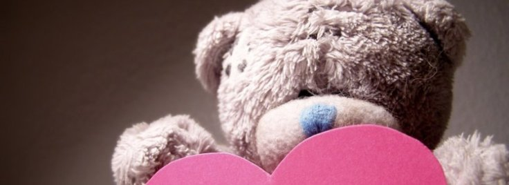 bear-with-heart-free-facebook-cover